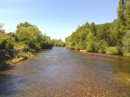 Il fiume a Mansilla de las Mulas