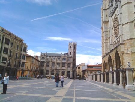 La piazza della Cattedrale di Leon
