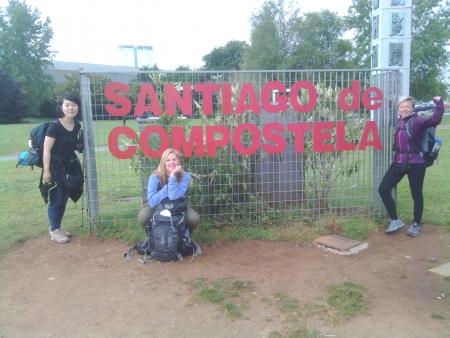 Elizabeth (canadese), Agnes (coerana) ed io()cittadina del mondo) entrando in Santiago de Compostela