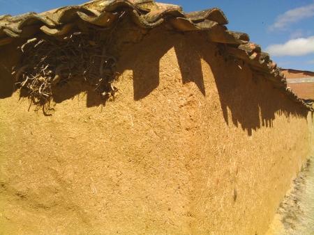 Case di fango e paglia lungo il cammino