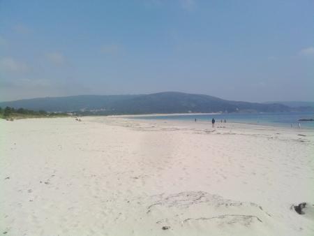 La stupenda spiaggia di Finisterre, un bel bagno?